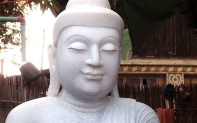 Myanmar : Carrière de marbre blanc.